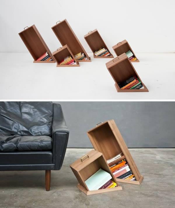Rak buku berbentuk miring ini didesain oleh seorang desainer interior Yael dan Shay dari studio Raw Edges Design Studio pulsker. Rak buku model ini dinamakan 'Hole in the Wall'. Jadi rak bukunya seolah muncul dari dalam lantai rumah pulsker.