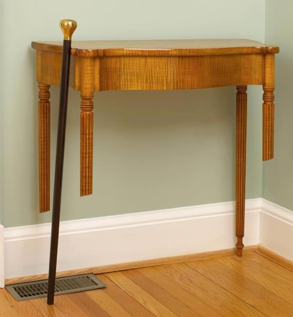 Bukan sulap bukan sihir, meja yang patah bisa berdiri sendiri. Ya, karya ini dibikin oleh seorang ahli furnitur bernama David J. Lunin pulsker. Kuncinya ternyata, meja ini dilengkapi dudukan yang menyatu dengan dinding. Selain itu tongkat disampingnya juga membantu menahan meja itu agar makin kuat pulsker.