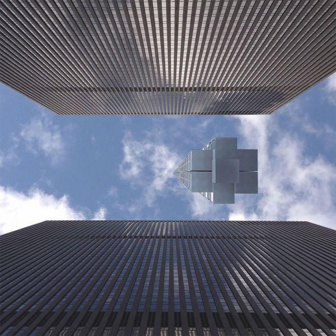 Pas dilihat dari bawah, bangunannya nampak ringan banget seperti balon udara yang terbang. Tapi jangan salah, kalau udah jadi nih ini adalah sebuah gedung tinggi yang digantung pakai kawat super.