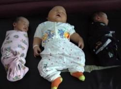 """Wow, Bayi-Bayi di Dunia Ini Terlahir dengan Ukuran Tubuh """"Super""""...Pernah Lihat Nggak?"""