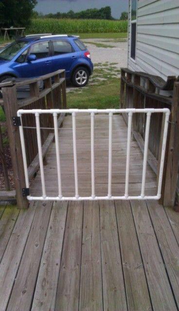 Kalau orang kreatif idenya selalu muncul pulsker, pipa paralon pun bisa dimanfaatkan sebagai pintu gerbang rumah nih.