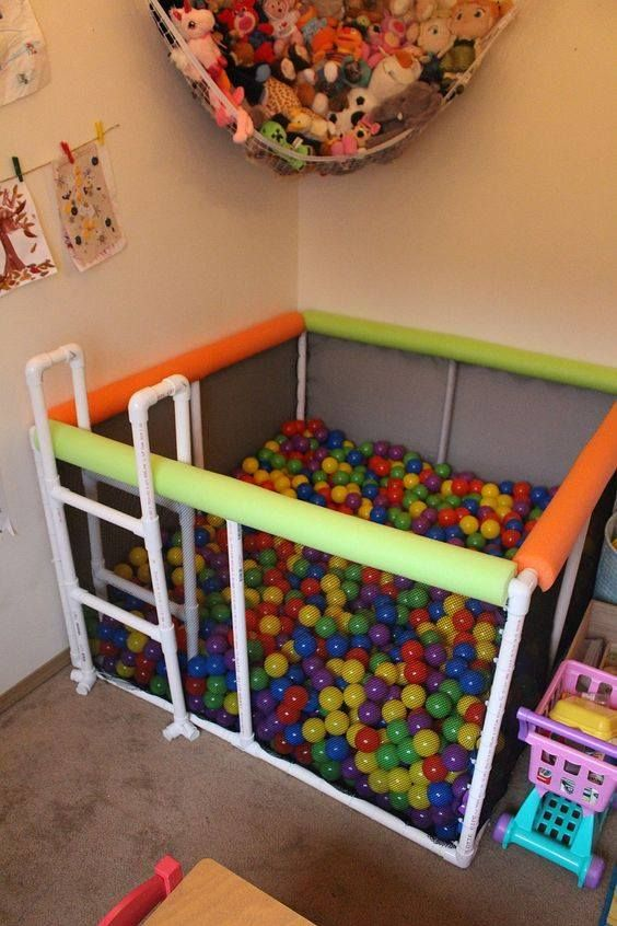 Buat kalian yang punya anak atau adik balita, pipa paralonnya bisa dibikin jadi mainan begini. Dijamin deh, bakalan suka banget tuh anak-anak.