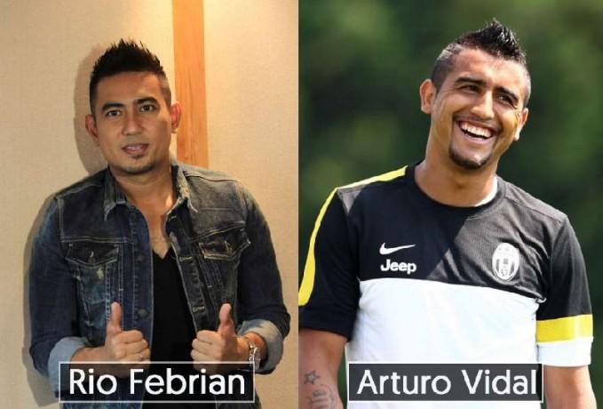 Dilihat dari gaya rambut dan jenggotnya penyanyi Rio Febrian sangat mirip dengan pemain sepak bola Arturo Vidal dari Chili.