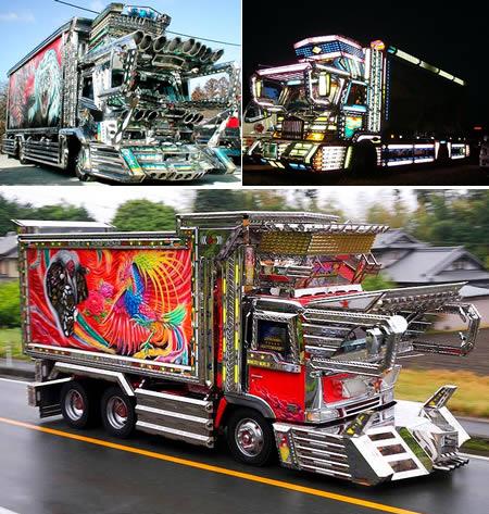 Berikutnya ada Dekatora pulsker yang merupakan singkatan dari 'Decoration Truck'. Yang beginian banyak kalian temukan di Jepang dan Filipina. Salah satu cirinya adalah catnya yang serba bling-bling dan berwarna cerah.