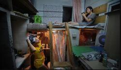 Sempitnya Rumah Sewa di Hongkong Ini Bikin Geleng-Geleng Kepala