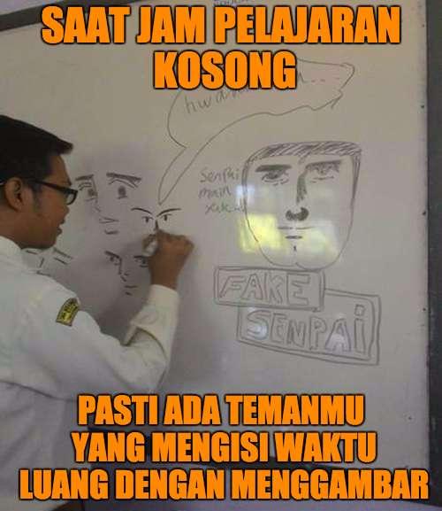 Ada juga temen yang bakat gambar, menyalurkan bakatnya di papan tulis. Parahnya biasanya sih ngegambar wajah-wajah guru yang killer.