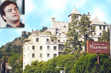 Ada pula hotel Chateau Marmont di Hollywood Barat pulsker. Disana mendiang aktor komedin John Belushi meninggal pada 5 Maret 1982 di usianya yang ke-33 tahun. Dia meninggal setelah pesta narkoba bersama aktor lainnya Rober DiNiro dan Robin Williams pulsker.