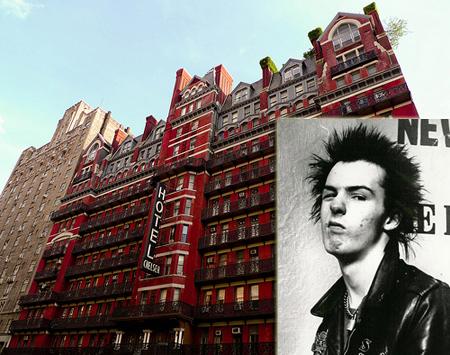 Pertama ada musisi punk rock asal Inggris, Sid Vicious yang merupakan basis dari band The Sex Pistols. Sebelumnya Sid pernah membunuh pacarnya, Nancy Sprugen yang berusia 20 tahun. Sid membunuh sang pacar karena pengaruh obat-obatan terlarang di Hotel Chelsea, New York pulsker. Tak lama, pada 1979 Sid pun bunuh diri dengan mengkonsumsi heroin pulsker.
