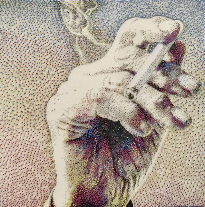 Nih, salah satu bagian dari 12 lukisan dilihat dari dekat. Emang deh, pasti bikinnya menguras pikiran, tenaga, fisik, bahkan waktu pulsker. Salut deh buat sang seniman yang udah bikin karya seni dengan memakai paku warna-warni kayak gini. Keren banget hasilnya.