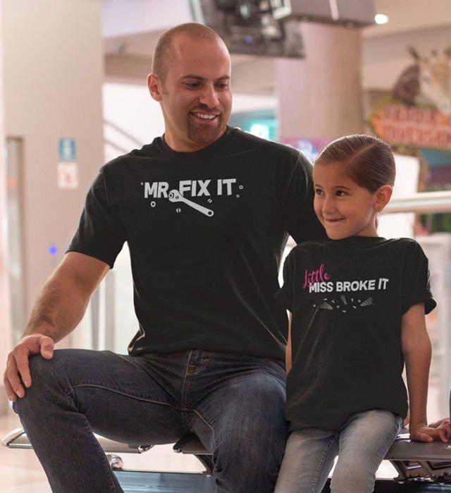 Kaos ini juga membuktikan jika sang ayah bisa menjadi pelindung super bagi sang anak.