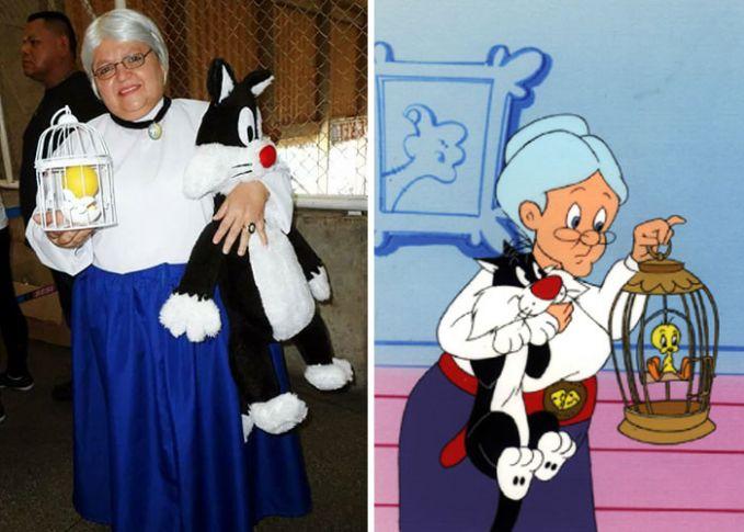 Juga pernah berdandan layaknya nenek pemilik Tweety dalam kartun Looney Tunes Pulsker.