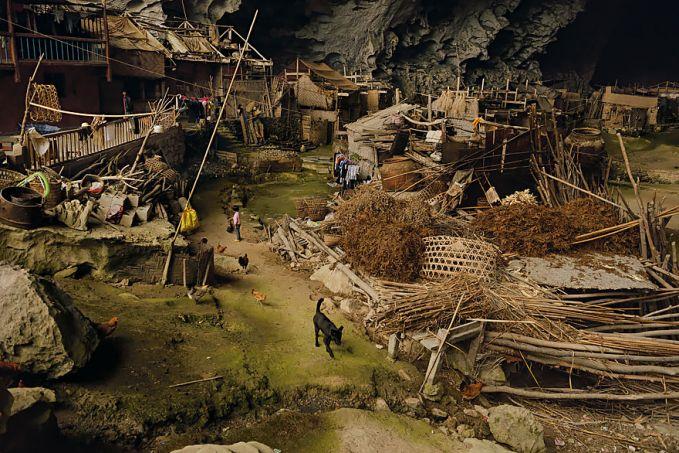 Ini adalah penampakan di desa didalam gua. Penampakannya sama saja seperti desa-desa yang lain.