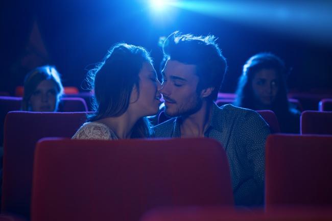 Hampir di setiap bioskop, setiap minggu selalu ada saja penonton yang dikeluarkan karena berperilaku tidak baik dan mengganggu penonton di sekitarnya.