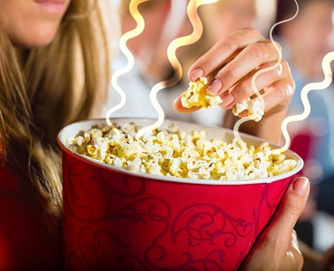 Mengapa aroma popcorn sangat enak di dalam bioskop? Karena ternyata popcorn yang dijual didalam bioskop berbeda dengan yang lainnya dan memiliki resep rahasia seperti kebanyakan fast food.