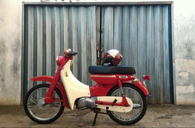 Selain motor sport, Yamaha juga punya motor bebek klasik yakni Yamaha U7. Ada juga yang nyebut ini dengan Yamaha Delik dan jadi buruan banyak kolektor.