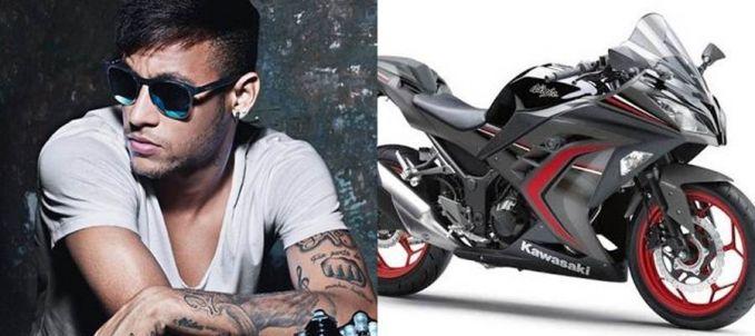 Gaji Neymar per jam dapat membeli satu buah motor sport. Sehari aja, udah bisa buka showroom tuh si Neymar.