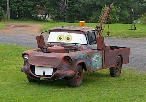 Karakter lucu dan unik dalam film Cars salah satunya adalah Matter, mobil derek tua asal Meksiko. Si Matter ada pula di alam nyatanya. Saking lucunya nih Pulsker, banyak orang tertawa pas ngeliat si Matter beneran ini berlenggang di jalanan.