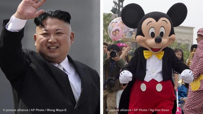 Walaupun sikapnya keras dan menuai kecaman internasional, Kim Jong-un presiden Korea Utara terobsesi dengan Disney lho sejak kecil. Konon, media Jepang pernah ke Disnyeland Tokyo pada 1991 dengan identitas palsu. Tahun 2012 lalu, dia pernah muncul di TV pemerintah dengan memakai kostum Mickey Mouse kayak gini nih. Unik kan?. Nah, itu dia Pulsker keseruan para pemimpin dunia kalau mereka lagi liburan.