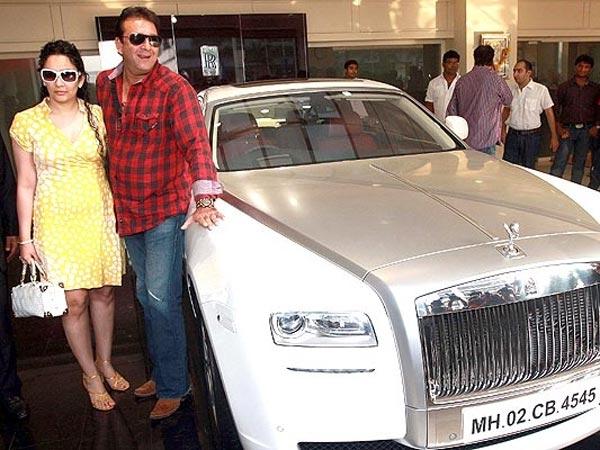 Sanjay Butt memang dikenal suka dan menggemari mobil sport. Ia juga diketahui membeli mobil Ferrari model 599 GTB seharga 6M!