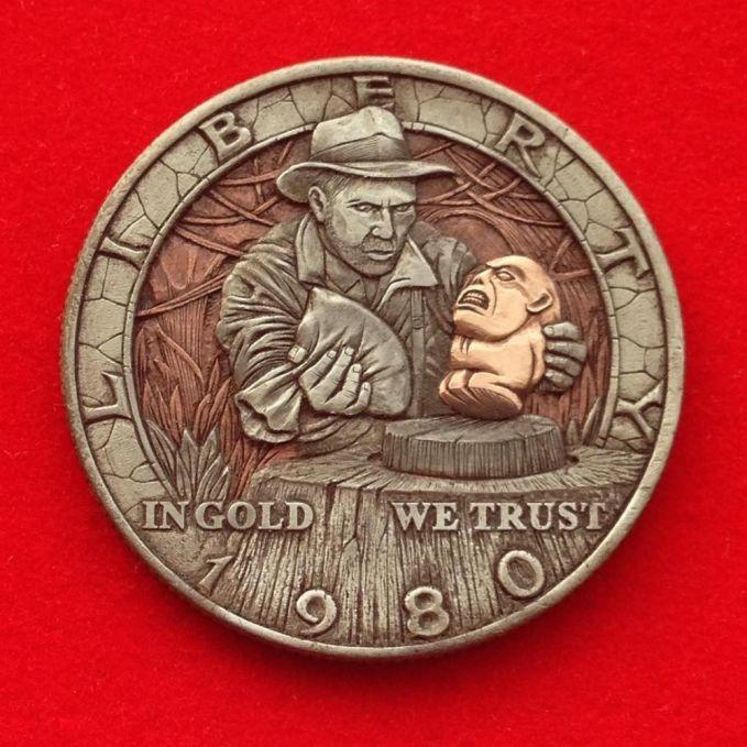 Nggak ketinggalan pula, sosok Indiana Jones juga ada lho Pulsker. Dia lagi nemuin harta karun apalagi ya?.