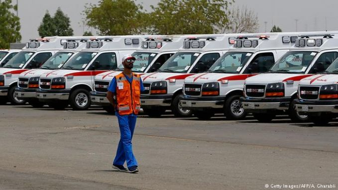 Nggak cuma itu saja, urusan kesehatan juga jadi hal utama. Pemerintah Arab Saudi menyediakan 158 posko dan 25 rumah sakit dengan 5.000 tempat tidur. 17.000 petugas medis disiapkan dilengkapi dengan sejumlah helikopter, 100 ambulan dan 51 bus medis.