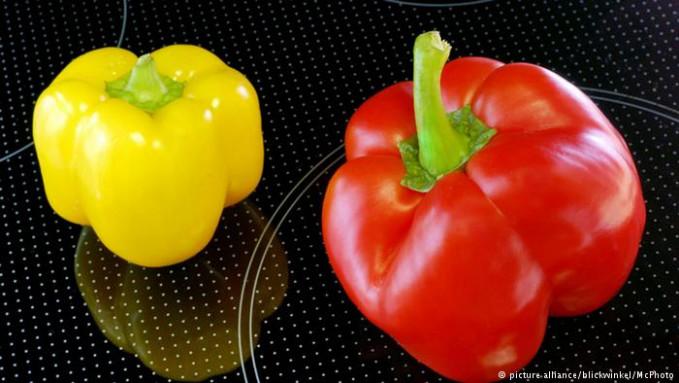 Sayur yang mengandung zat berbahaya bagi penderita radang adalah paprika. Sayur ini mengandung alkaloid dan sonalia yang dapat menyebabkan parahnya radang. Sehingga nggak direkomendasikan buat penderita radang.