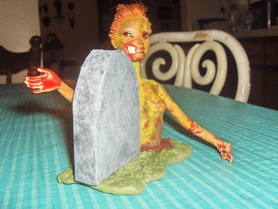 Yang ini adalah Barbie yang bangkit dari kubur. Udah seperti film horor kan?