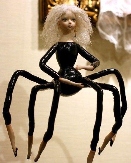 Barbie siluman laba-laba.