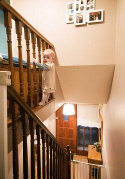 Kelewat Kreatif, Ayah Ini Mengedit Foto Sang Anak Ke Dalam Situasi yang Berbahaya