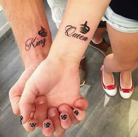 Kalau yang ini serasi kan Pulsker?. Gimana, keren kan tato couplenya?. Pasti nih yang punya pasangan pada baper deh mau bikin tato couple tapi nggak ada pasangannya.