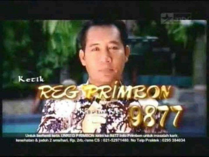 Sebelum era smartphone muncul, iklan layanan sms kayak gini sering bermunculan di TV Pulsker. Ada lagi sih yang terkenal adalah Mama lauren dan ramalannya.