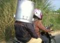 Gini Nih Uniknya Orang Kelewat Cerdas, Nggak Ada Helm 9 Benda Ini Pun Jadi Pelindung …