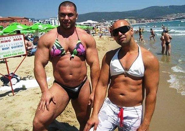 Jangan ngaku berani sebelum bikin pose kaya gini pas di pantai :D