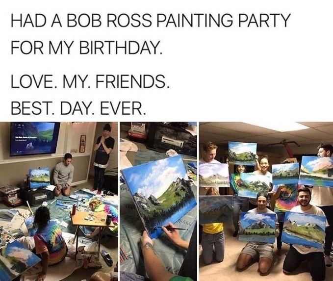 Para sahabat ini membuat lukisan saat sahabatnya berulang tahun..so sweet banget kan?!