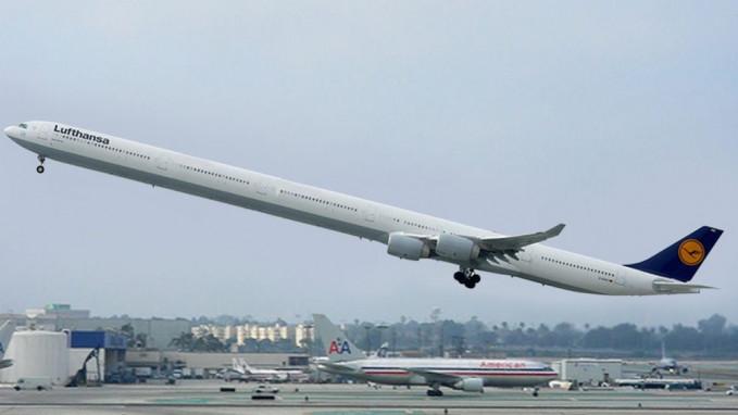 Waduh, panjang banget ya?. Panjangnya bisa tiga kali lipat dari pesawat biasanya tuh.