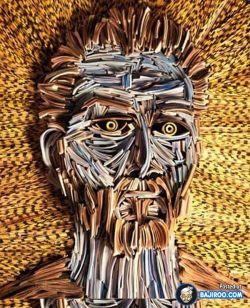 Keren, Susunan Koran Juga Bisa Jadi Karya Seni Menakjubkan Kayak Gini Nih