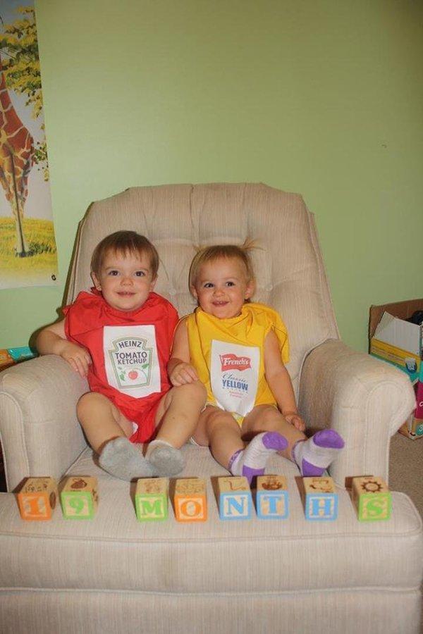 Nggak perlu ke dapur lagi untuk menemukan saus dan mustard, karena kamu akan menemukan yang lucu diatas kursi ini.