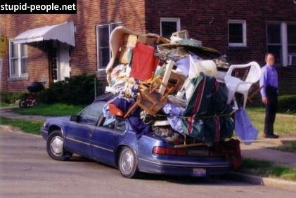 Mending cari kendaraan lagi deh daripada maksain diri kayak gini. Jadi kasihan tuh ngeliat mobilnya sampai mleot.