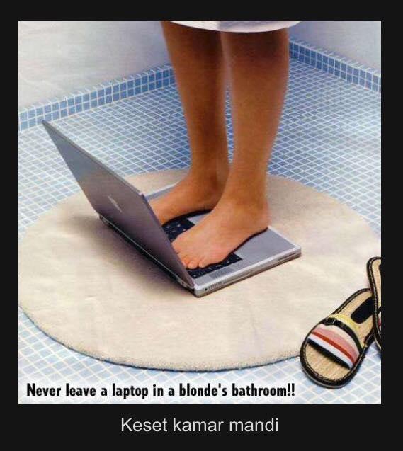 Sama halnya kayak dia nih gaes, malah dibikin keset kamar mandi. Itung-itung ngelatih skill mengetik pakai jari kaki. Duh, parah banget ya gengs aksi mereka. Jangan coba-coba kalian lakuin dirumah kalau nggak pengen nyesel. Apalagi kalau nggak ada duit cadangan buat beli penggantinya kalau rusak. Sayangilah laptop kalian gaes.