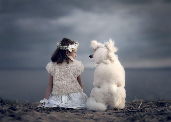Emang ya Pulsker, anjing adalah salah satu hewan peliharan terbaik manusia. Selain bisa digunakan untuk menjaga rumah, juga bisa jadi kawan terbaik saat latihan balet. Iya nggak?. Anjing peliharaan kalian bisa apa nih?.