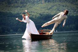 Lucu Tapi Tetap Romantis, Ini Dia 7 Inspirasi Foto Prewed yang Tak Biasa