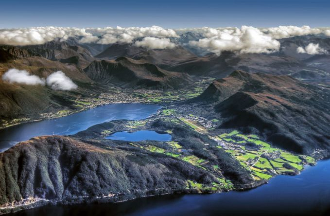 Nggak salah kalau sebagian orang bilang Norwegia adalah negeri yang indah di Eropa Utara. Ini adalah salah satu sudut bentang alam disana.