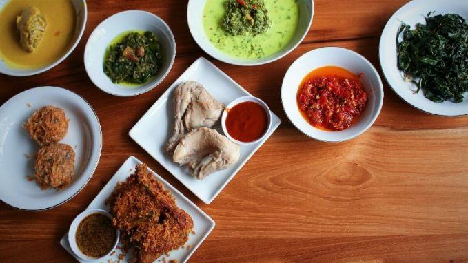 7 Cara Alami Mengatasi Panas Dalam Karena Makanan Bersantan