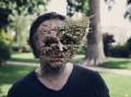 Karya Seni Abstrak Gabungan Antara Tumbuhan dengan Manusia, Ngeri atau Keren Nih?