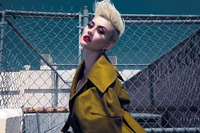 Dalam video terbaru, Agnes tampil dengan style lebih edgy dengan rambut model mohawk. Yey or ney?