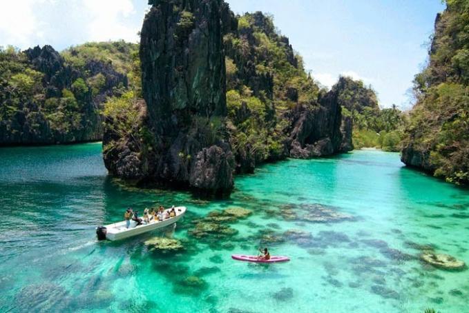 7 Pulau Surga Untuk Foto Instagramable yang ada di Filipina, Super Keren!