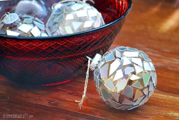 Bola-bola ini bukanlah granat atau bom kok, tenang aja gaes.