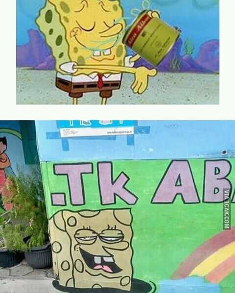 Mungkin tukang lukis di dinding TK-nya terinspirasi salah satu adegan yang diperagakan Spongebob ini ya?.