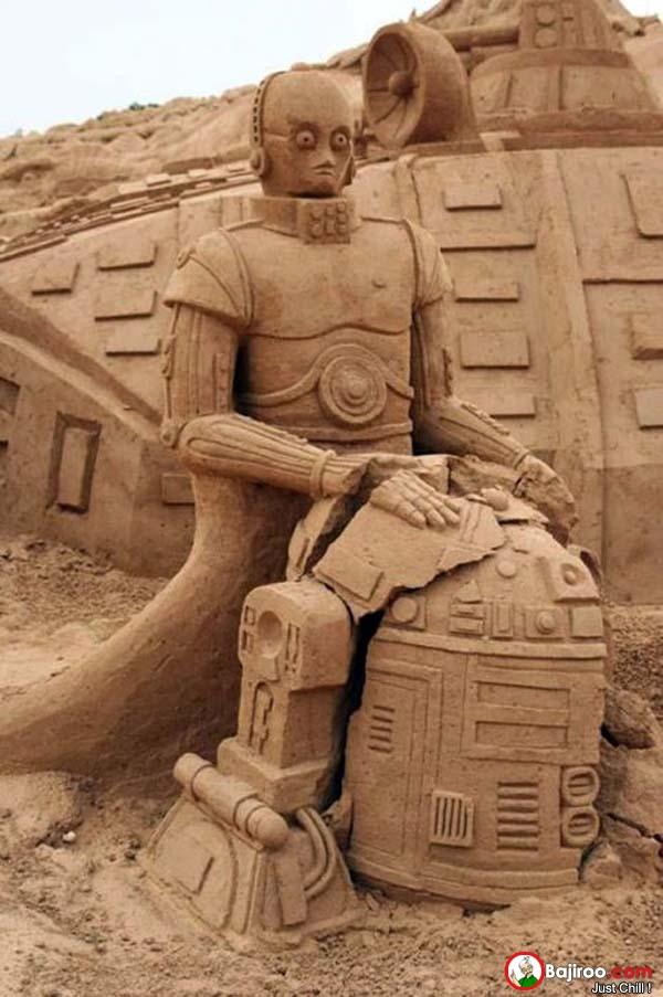Yah, robot R2-D2 nya kok jadi rusak kayak gitu ya?.