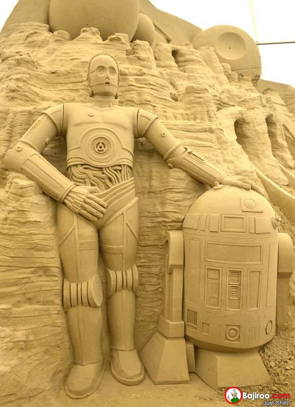 Nah, robot R2-D2 nya keren kan jadinya kalau nggak rusak?.